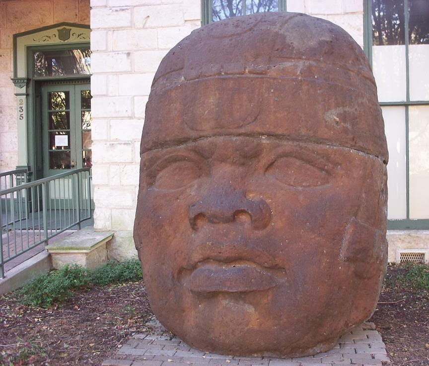 san antonio the big giant head
