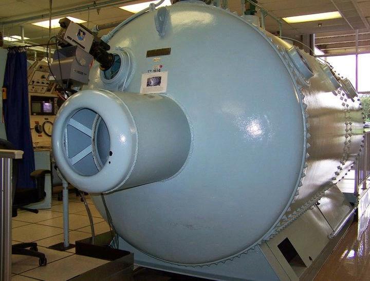 1904 panama hyperbaric chamber