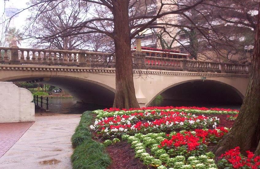 San Antonio Texas   trolley and bridge on the riverwalk