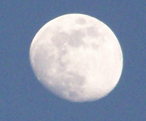 the moon taken by kodak easyshare z710