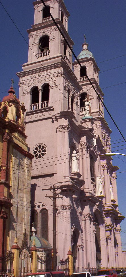monterrey mexico   church facade 2