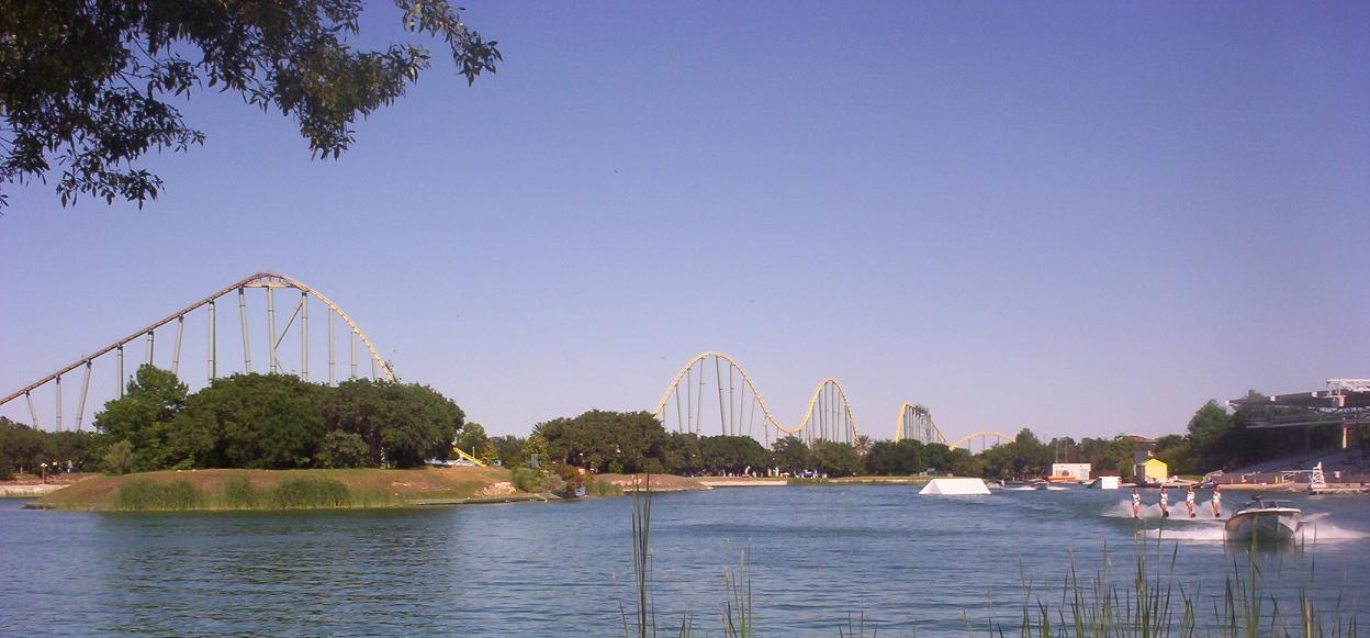 lake show at seaworld san antonio texas