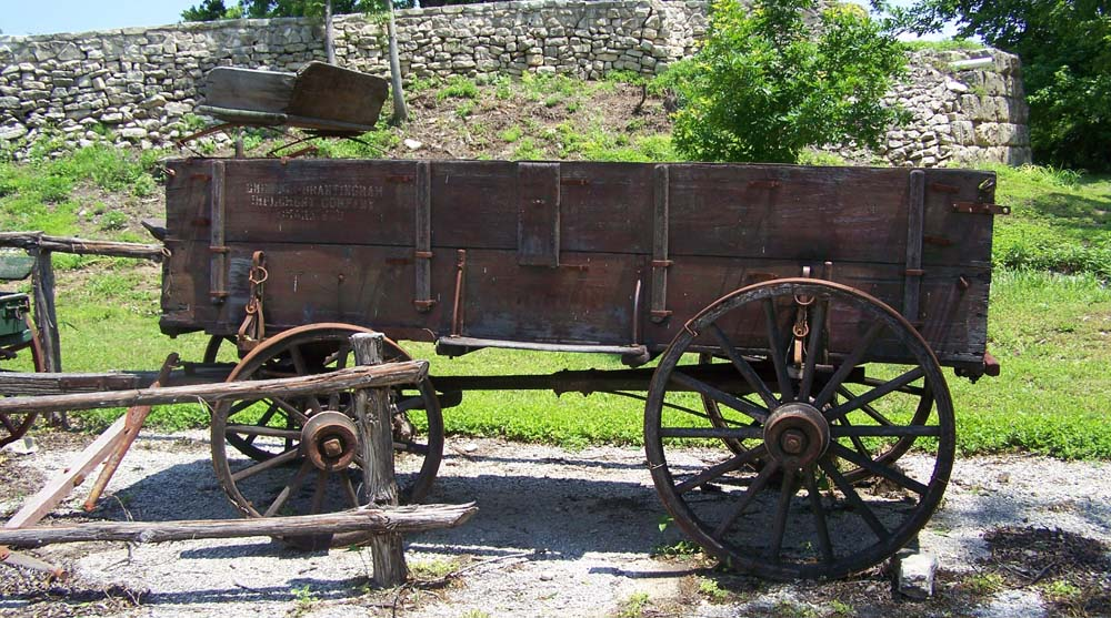 un covered wagon from the old west