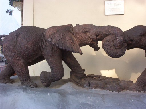 elephant sculpture tug of war