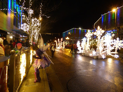 stroll through downtown bellevue seattle christmas