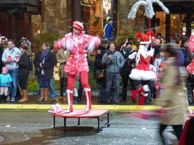 stroll through downtown bellevue seattle christmas 4